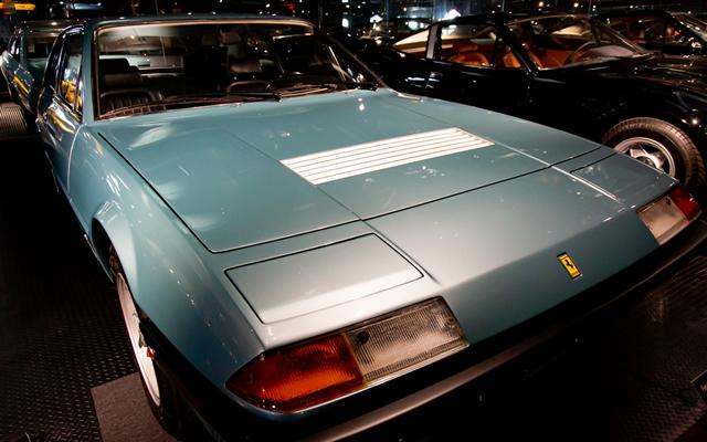 Ferrari  365GT/4  2+2